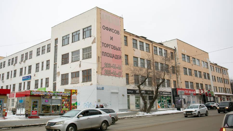 Техникум не может устоять / В Екатеринбурге хотят снести конструктивистское здание 1929 года