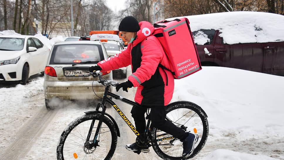 В Екатеринбург приехал «Самокат» / Новый онлайн-ритейлер планирует открыть в городе до 40 складов
