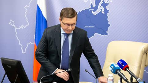 «Паровозы» в Госдуму не идут  / Полпред и губернаторы отказались от депутатских мандатов