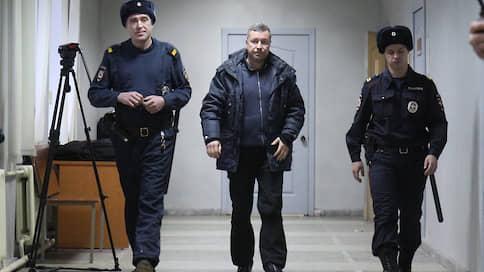 Замглавы СКР по Свердловской области дал показания на прокурора по делу о взятке // У Дмитрия Чуличкова прошли обыски