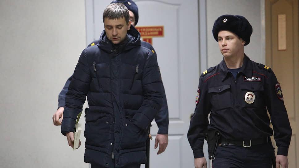 Адвокат Владислав Вострецов во время вынесения ему меры пресечения в Ленинском районном суде