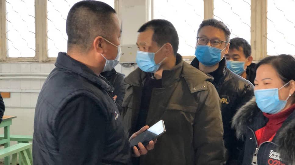 Граждане Китая проходят осмотр в зоне обсервации в Богдановиче (Свердловская область)