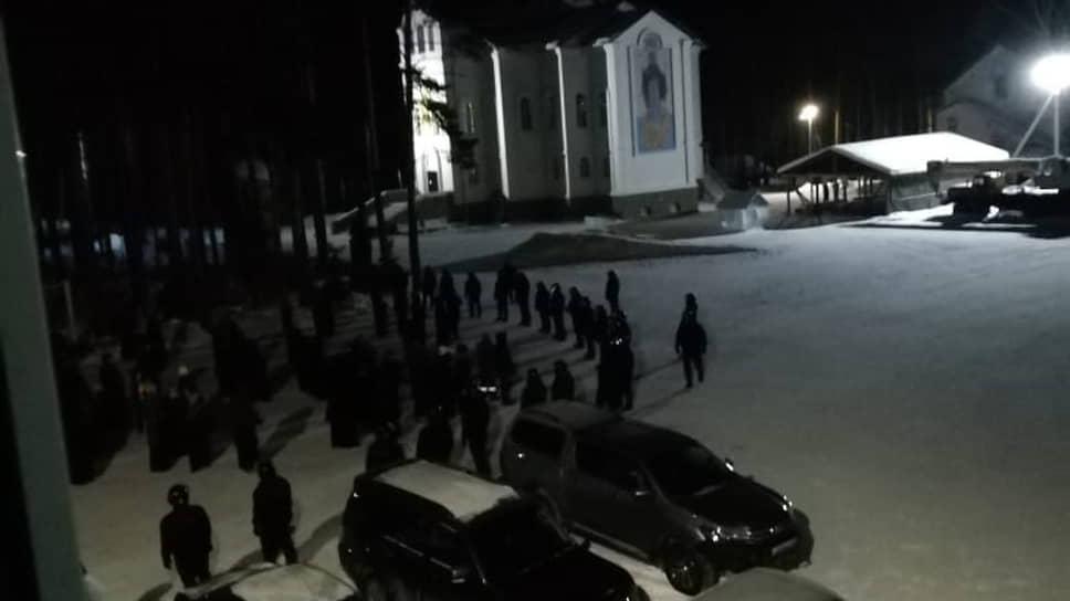 ОМОН приехал в Среднеуральский женский монастырь