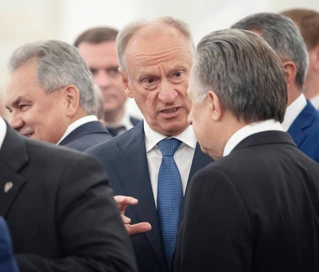 Секретарь Совета безопасности России Николай Патрушев (в центре)