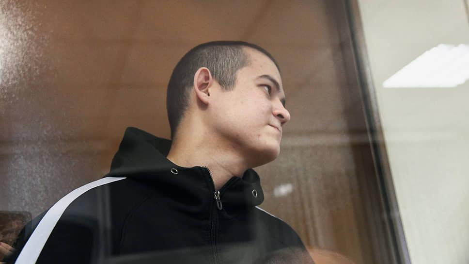 Вынесение приговора солдату-срочнику Рамилю Шамсутдинову, обвиняемому в расстреле сослуживцев в войсковой части в Забайкальском крае, на заседании 2-го Восточного окружного военного суда