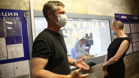 На Евгения Ройзмана составили протоколы за организацию митингов в поддержку Навального