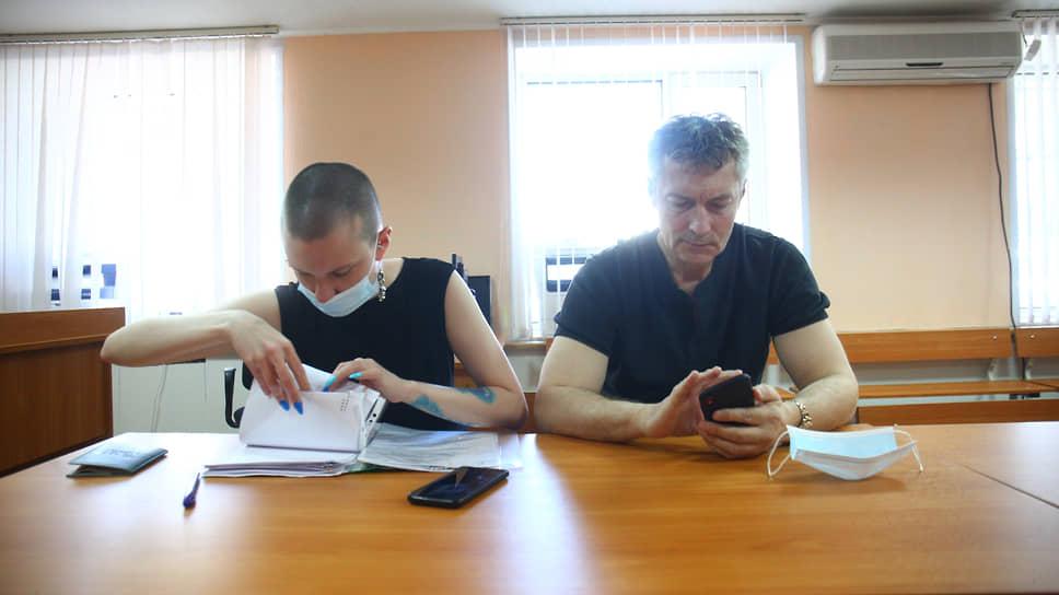 Юлия Федотова и Евгений Ройзман в суде