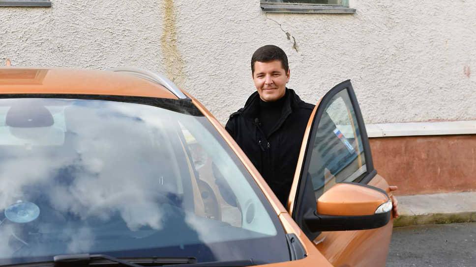 Губернатор Ямало-Ненецкого автономного округа (ЯНАО) Дмитрий Артюхов во время автопробега по региону в 2020 году