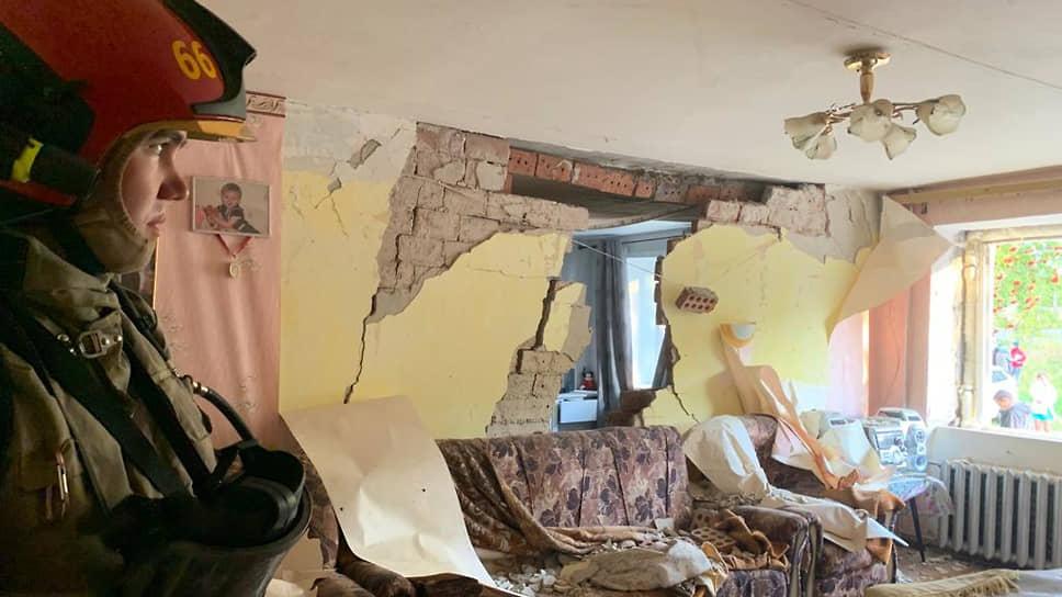 Последствия взрыва газа в пятиэтажном доме в Верхней Пышме