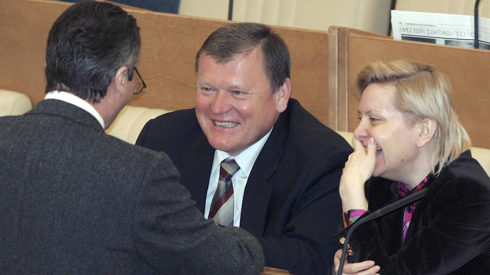 Наталья Комарова во время заседания Госдумы в 2005 году, когда она занимала пост председатель комитета по природным ресурсам и природопользованию
