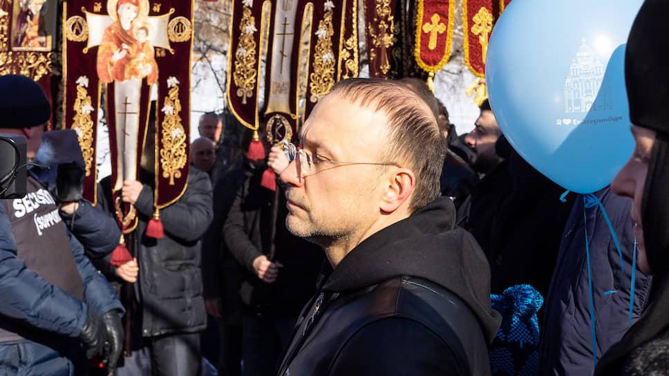 Владелец Русской медной компании (РМК) Игорь Алтушкин занимает 25 строчку в списке 200 богатейших людей страны. Forbes оценивает его состояние в $4,3 млрд. В РМК он владеет 80%. Учредил благотворительный фонд Русской медной компании, который сотрудничает с Русской православной церковью