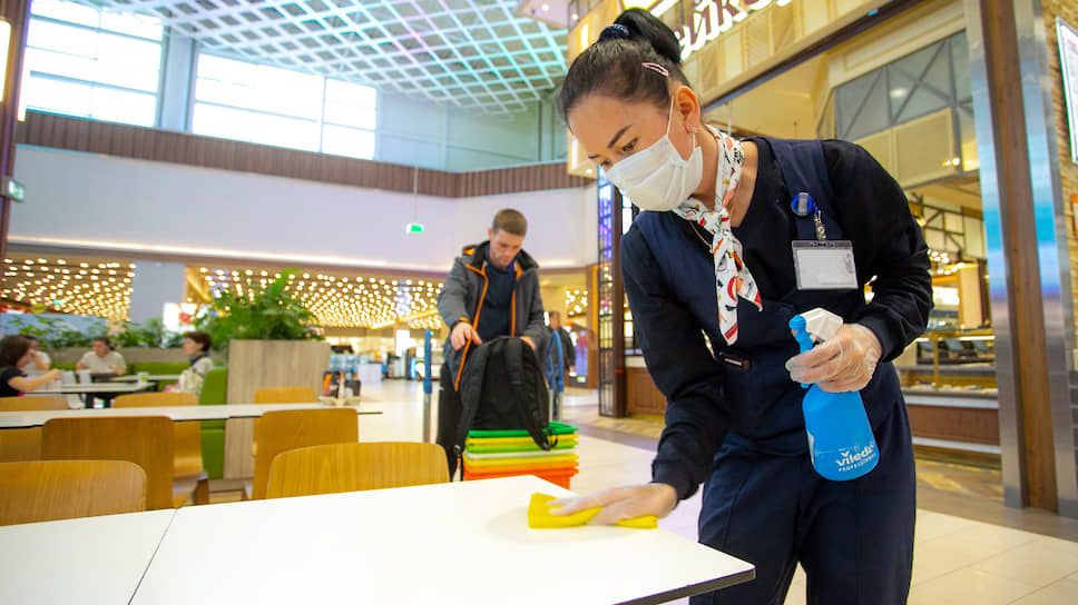 Борьба с коронавирусом в торговых центрах Екатеринбурга