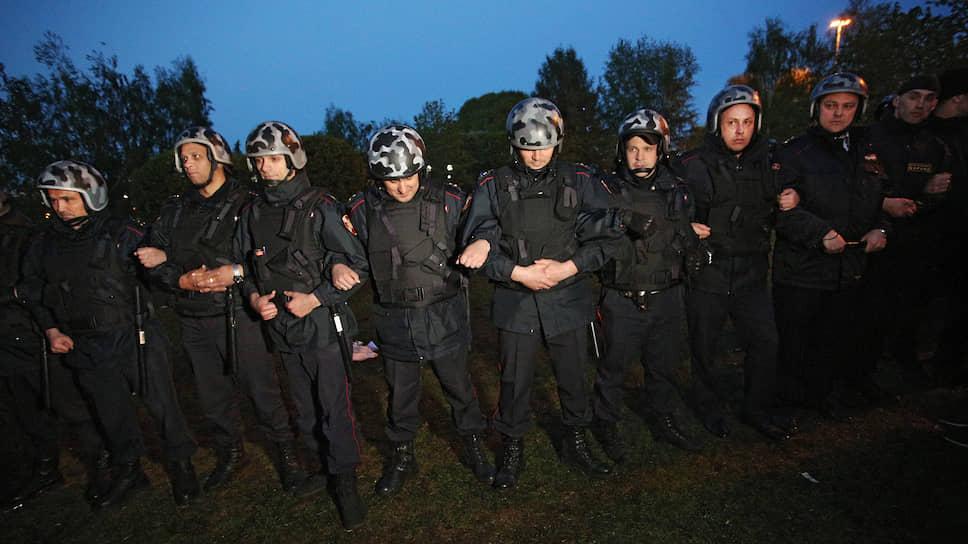 Полиция подключилась к разгону активистов в следующие дни
