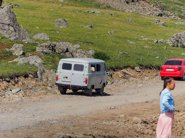 На Конжаковский Камень едут посмотреть из всех соседних регионов