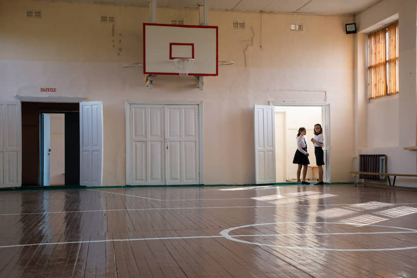 Всего в Свердловской области 1 сентября начали работу девять новых школ — в Екатеринбурге, Невьянске, Арамили, Верхней Пышме, Ревде, Каменске-Уральском, поселке Баранчинский