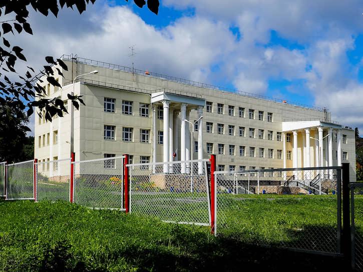 Школа №16 в Дегтярске