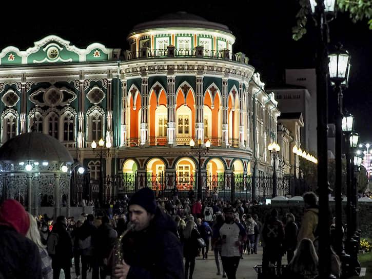"""Фестиваль Ural Music Night (""""Уральская ночь музыки"""") в Екатеринбурге. Дом Севастьянова"""