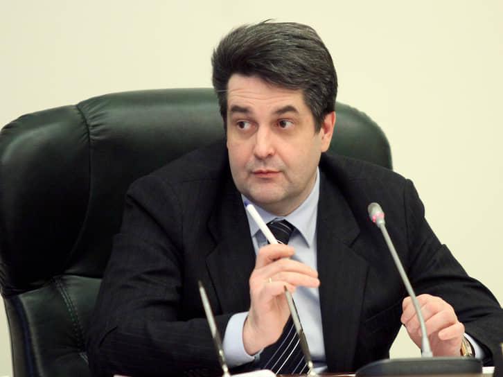 С 8 декабря 2008 года по  6 сентября 2011 года должность уральского полпреда занимал Николай Винниченко. Затем он был переведен на аналогичную должность в Северо-Западном федеральном округе