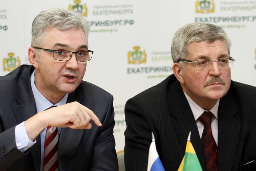 С 2010 года формально главой Екатеринбурга был председатель городской думы Евгений Порунов (справа), а сити-менеджером Александр Якоб (слева)