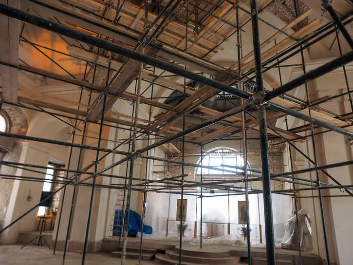 Реставрационные работы в Успенском соборе на ВИЗе