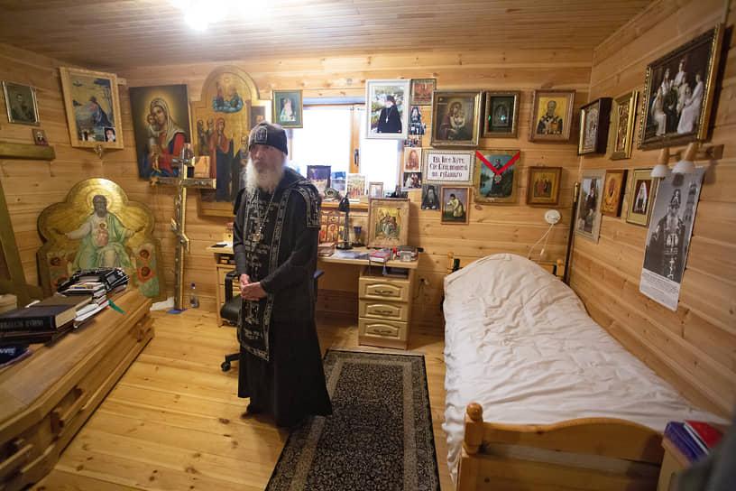 """Среднеуральский женский монастырь """"Спорительница хлебов"""". Схиигумен Сергий"""