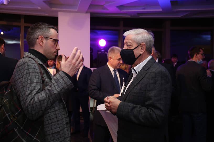 Журналист Дмитрий Колезев и председатель Свердловского творческого союза журналистов, председатель общественной палаты Свердловской области Александр Левин