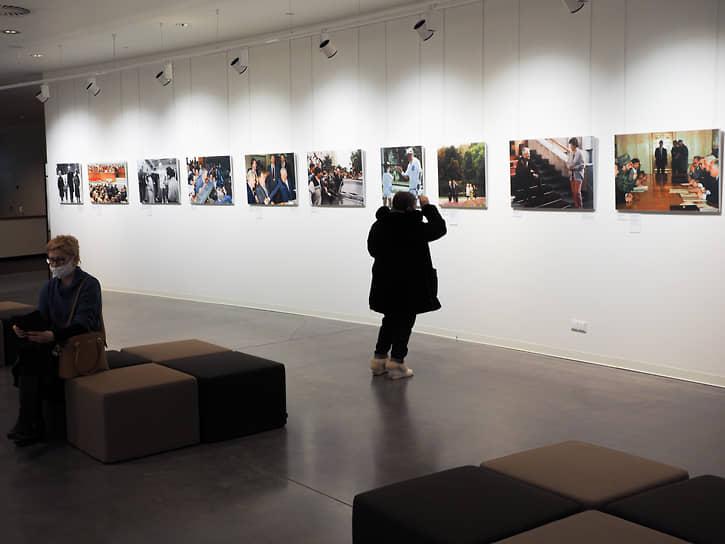 Фотовыставка «Борис Ельцин: в галстуке и без» в Ельцин Центре