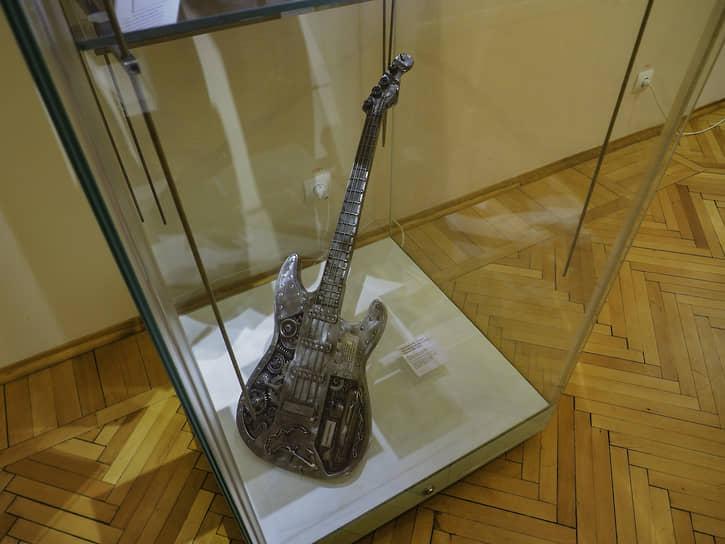 Гитара Вячеслава Бутусова