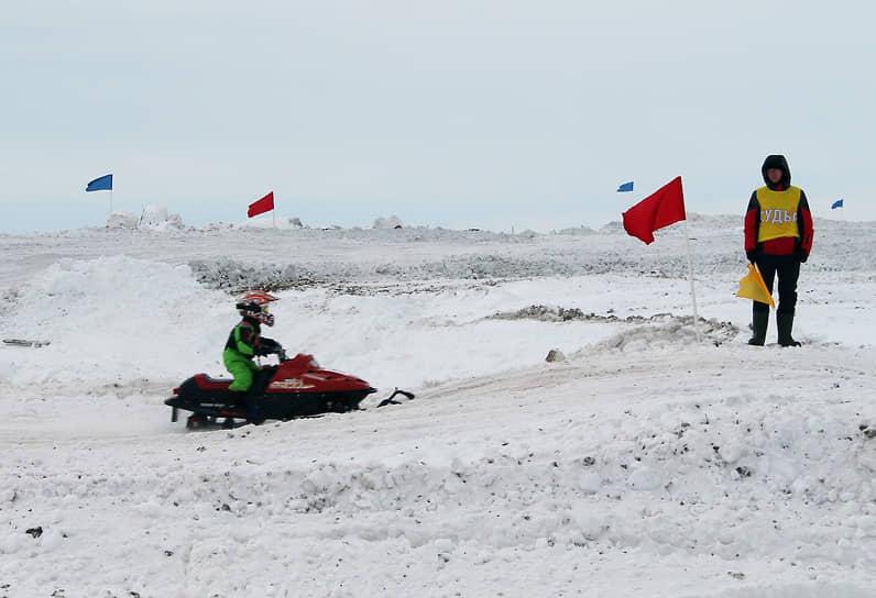 Снегоходный кросс
