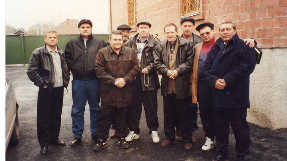 Андрей Трофимов (Трофа) в центре