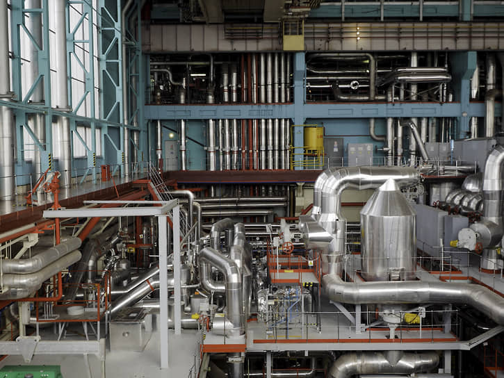В 2005–2010 годах энергоблок №3 претерпел существенную модернизацию в связи с продлением срока эксплуатации. Усовершенствовано было практически все: от турбогенераторов до системы радиационного контроля, от активной зоны реактора до систем перегрузки топлива.