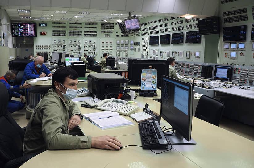 Энергоблок №3 БН-600 в отличие от чернобыльского имеет принципиально другой тип реактора -- натриевый на быстрых нейтронах. В двойном корпусе реактора отсутствует высокое давление, а все оборудование, подвергающееся радиационному воздействию, заключено внутрь его корпуса