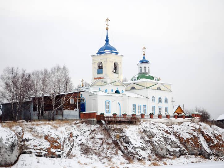 Храм во имя Георгия Победоносца в селе Слобода