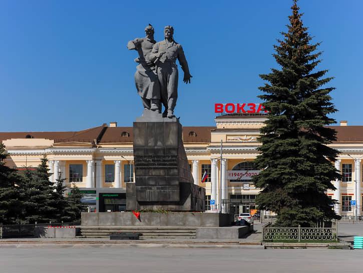 Памятник Уральскому добровольческому танковому корпусу в Екатеринбурге