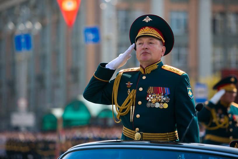 Принимал парад командующий войсками ЦВО генерал-полковник Александр Лапин