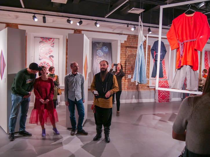Презентация спецпроектов «ТКачество звука: обнимая традицию» и «Обнять и плакать» в Синара-Центре.