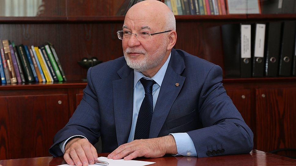 Директор по персоналу УГМК Виктор Олюнин