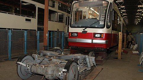 Трамвай выкатывают на дороги