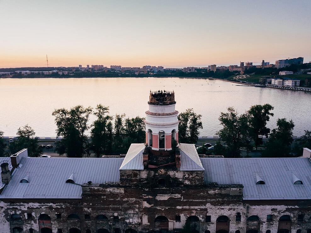 В мае 2019 года министр культуры Удмуртии Владимир Соловьев заявил, что на экспертизу сгоревшей башни «Ижмаша» необходимо 12 млн руб. Средства пока не выделили. «После того как пройдет экспертиза и мы будем понимать, что можно сделать с этим зданием, примем окончательное решение. Вариантов много»,— отметил министр