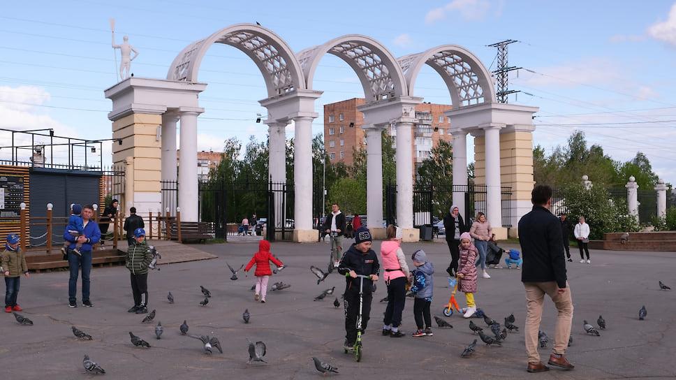 Глава Удмуртии Александр Бречалов позволил жителям региона гулять и заниматься спортом в парках и скверах с 14 мая.