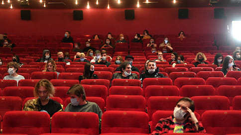 Фильмы остаются на паузе  / Ижевские кинотеатры надеются заработать к декабрю не более 50-60% от доходов прошлого года