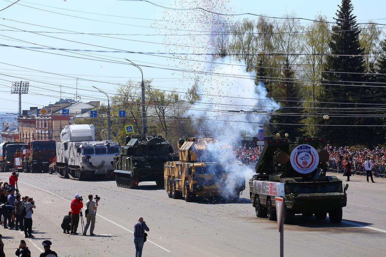 Ижевские заводы представили зенитно-ракетные комплексы «Оса» и «Тор».