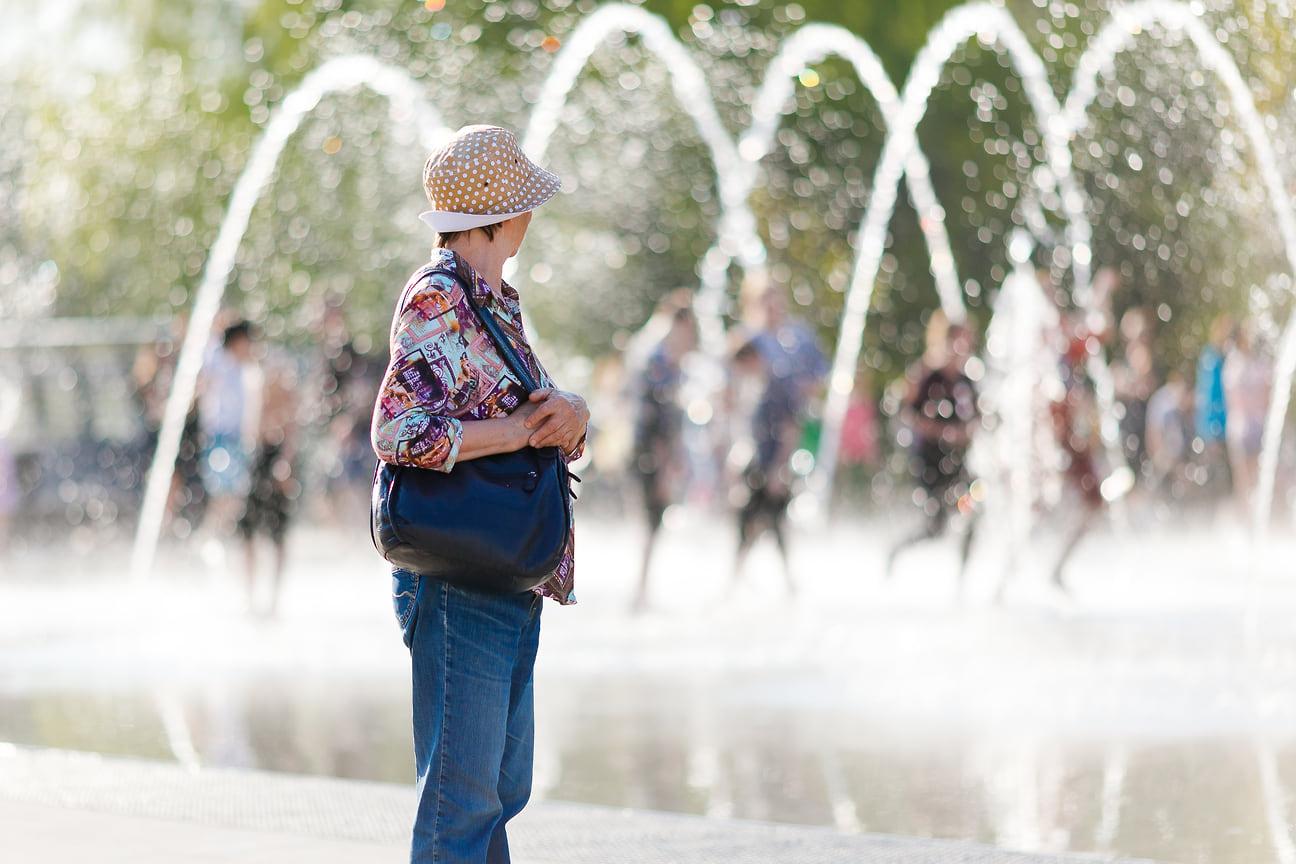 По информации гидрометцентра Удмуртии, аномальная жара сохранится в регионе до конца рабочей недели.