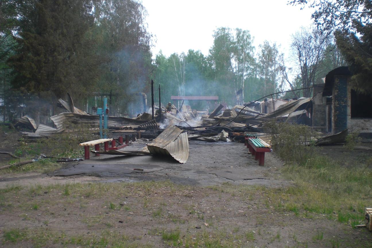 Взрывы повредили более 3,5 тыс. жилых домов и 49 социальных объектов.