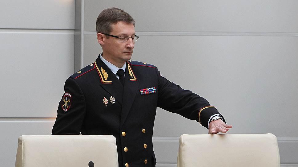 Несогласных послали в интернет / Глава МВД по Татарстану не разрешает проводить шествия мимо госучреждений