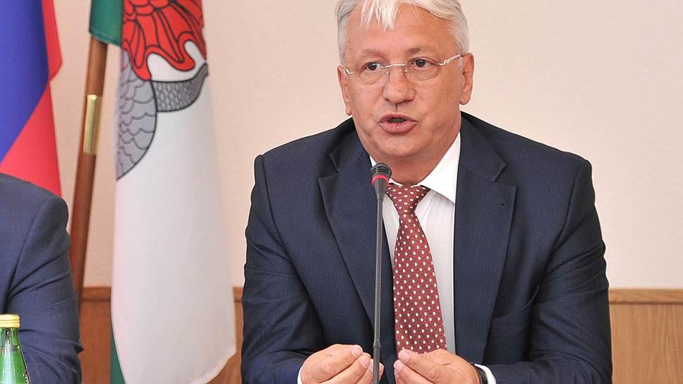 Государству приходится элеконить / «Ростех» распродает свои доли в предприятиях Николая Колесова