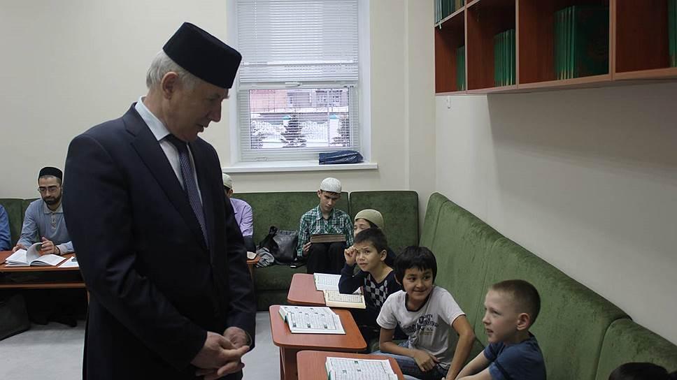 Язык послали на три буквы / В ЕГЭ увидели угрозу татарскому национальному образованию