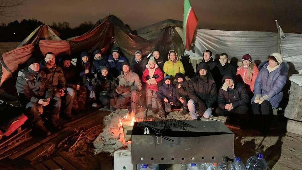Палаточный лагерь противников строительства МСЗ власти терпели две недели