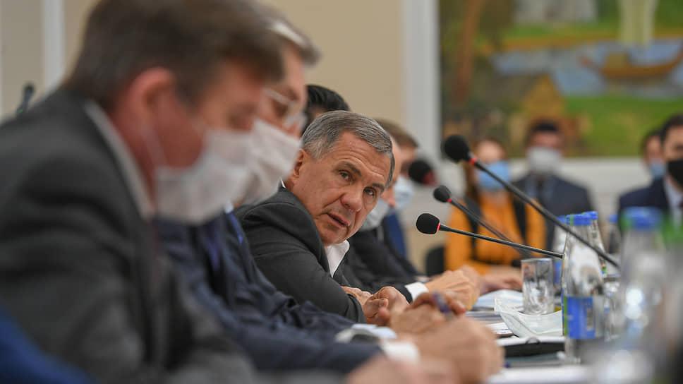 Бизнесу снова плохо от вируса / Рустама Минниханова попросили о новых льготах для пострадавших предпринимателей