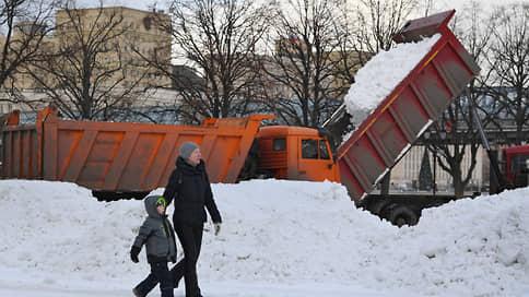 В Татарстане из-за метели закрывают дороги для грузовиков // С 14:00 из-за непогоды в республике уже остановлены рейсы междугородних автобусов